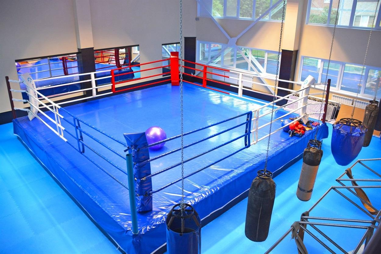 Оновлена зала боксу і кікбоксингу
