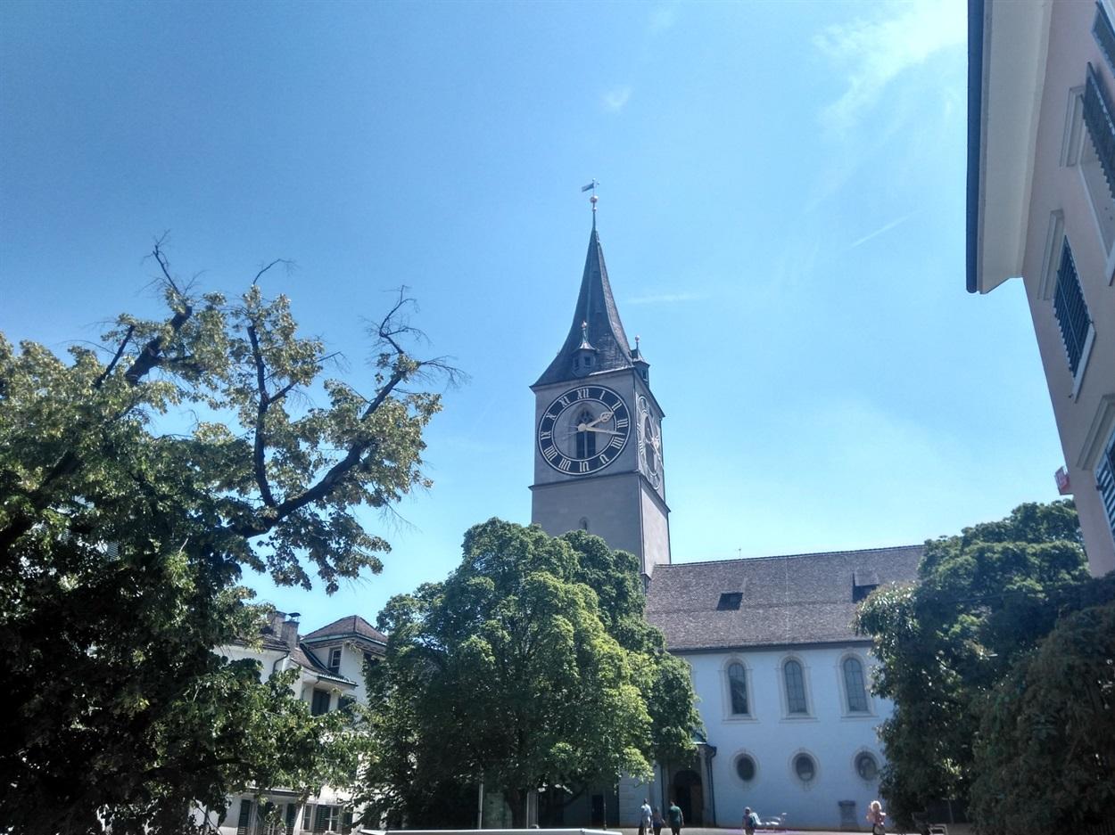 Годинникова вежа у Цюріху