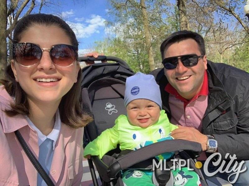 Папа, мама и Давид - счастливая семья