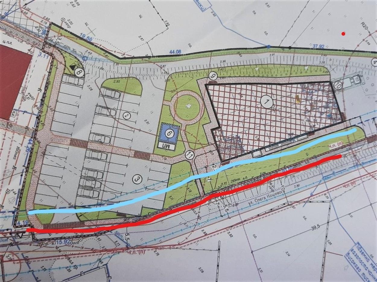 Це фото плану забудови. Блакитна лінія - так проходить стара доріжка, червона лінія - так скоро пролягатиме нова.