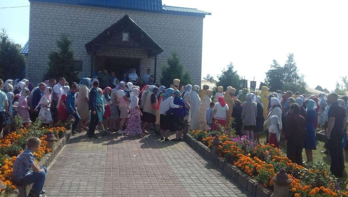 Хресна хода під час богослужіння у Степангороді