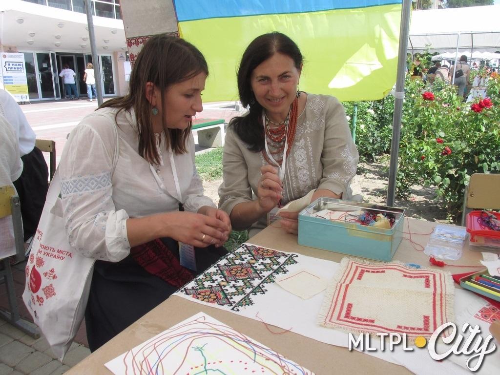 Неля Ревенко научит желающих технике вышивки