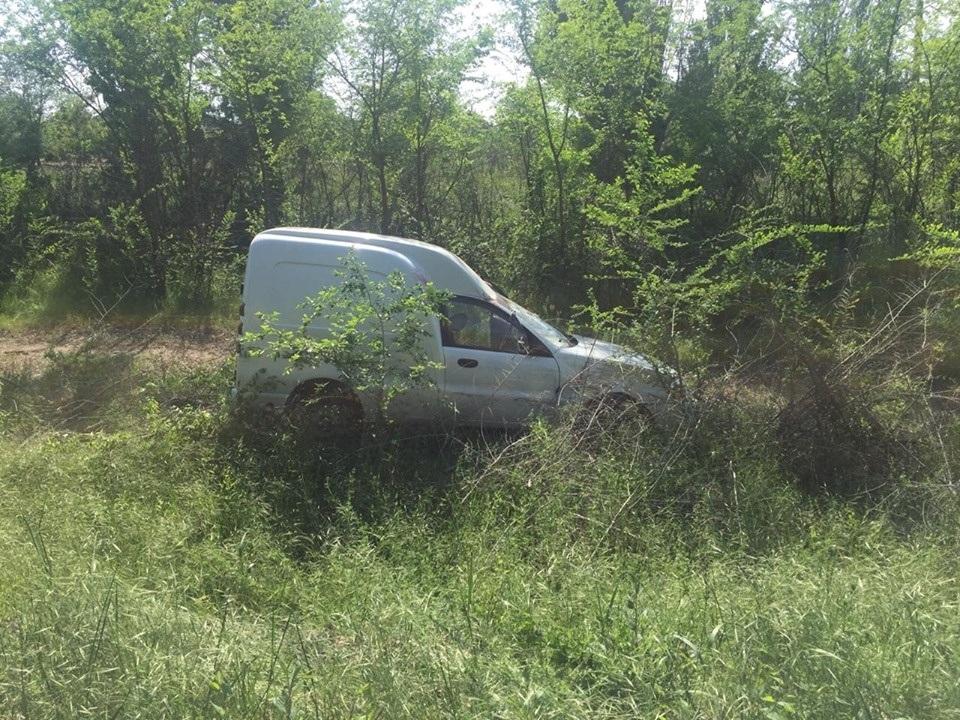 Автомобіль спинився тільки на узбіччі...