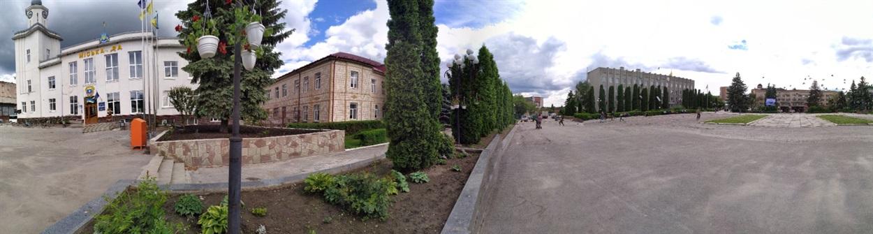 Панорамне фото центру Чорткова.