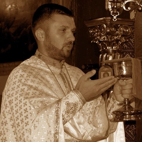 Отець Андрій Левкович